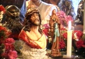Bolivie: Le Christ de Cochabamba un miracle qui laisse la science perplexe Weeping2255-300x209